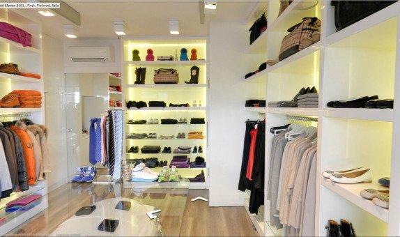 negozio abbigliamento su business view